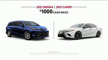 2021 Toyota Sienna TV Spot, 'Legendary Saver' [T2] - Thumbnail 9