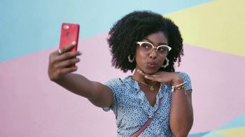 America's Best Contacts and Eyeglasses TV Spot, 'Selfie: Jamie and Hailee' - Thumbnail 2