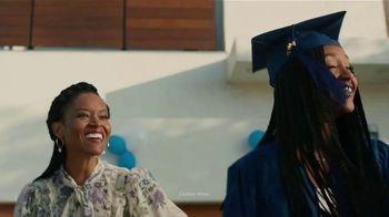 Lexus December to Remember Sales Event TV Spot, 'Driveway Moments: Graduation' [T2] - Thumbnail 3