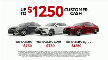 2021 Toyota Camry TV Spot, 'Western Washington Road Trip: Power and Style' Ft. Ethan Erickson [T2]  - Thumbnail 6