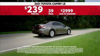 2021 Toyota Camry TV Spot, 'Western Washington Road Trip: Power and Style' Ft. Ethan Erickson [T2]  - Thumbnail 8