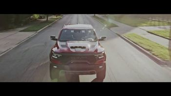 Ram Trucks Big Finish 2020 TV Spot, 'Nothing More Rewarding' Song by Chris Stapleton [T2] - Thumbnail 4