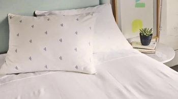 Macy's One Day Sale TV Spot, 'Designer Pillows, Comforters, Cookware' - Thumbnail 3