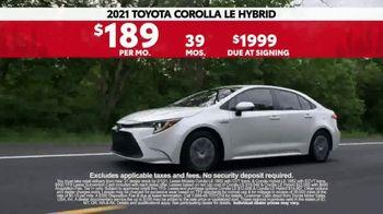 2021 Toyota Corolla TV Spot, 'Western Washington Road Trip: Connected' Ft. Ethan Erickson [T2] - Thumbnail 9