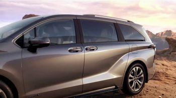 2021 Toyota Sienna TV Spot, 'Captain' [T1] - Thumbnail 8
