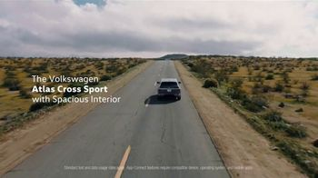 2021 Volkswagen Atlas Cross Sport TV Spot, 'Where to Go Today' Song by Huckvale [T1] - Thumbnail 10
