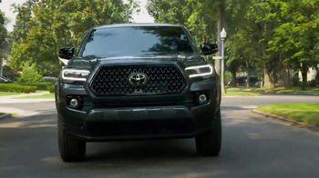 2021 Toyota Tacoma TV Spot, 'Road Trip: My Truck' Feat. Danielle Demski, Ethan Erickson [T2] - Thumbnail 6