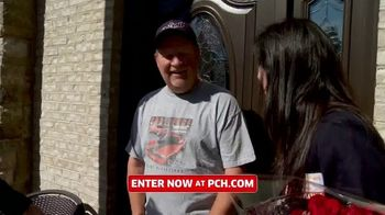 Publishers Clearing House TV Spot, 'Change Your Life: $5,000 a Week for Life' Featuring Brad Paisley - Thumbnail 4