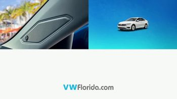 Volkswagen Incred-A Jetta Closeout TV Spot, 'Now In Stock' [T2] - Thumbnail 4