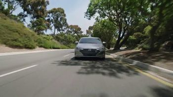 2020 Hyundai Elantra TV Spot, 'Una larga mirada' [Spanish] [T2] - Thumbnail 2