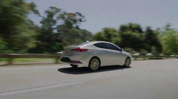 2020 Hyundai Elantra TV Spot, 'Una larga mirada' [Spanish] [T2] - Thumbnail 4