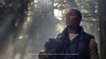 Halls Relief Menthol-Lyptus Flavor Cough Drops TV Spot, 'The Hiker' - Thumbnail 5