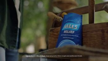 Halls Relief Menthol-Lyptus Flavor Cough Drops TV Spot, 'Breathers: The Woodworker'