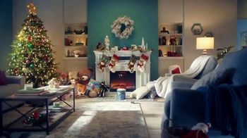 Big Lots TV Spot, 'Holidays: Jingle Deals: Dearfoarms Slippers' Song by Montell Jordan - Thumbnail 5