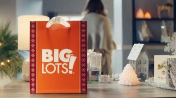 Big Lots Jingle Deals TV Spot, 'Holidays: Jingle Deals: Dearfoarms Slippers' Song by Montell Jordan - Thumbnail 1