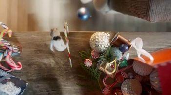 Big Lots Jingle Deals TV Spot, 'Holidays: Jingle Deals: Dearfoarms Slippers' Song by Montell Jordan - Thumbnail 3