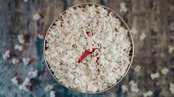 Big Lots Jingle Deals TV Spot, 'Holidays: Jingle Deals: Dearfoarms Slippers' Song by Montell Jordan - Thumbnail 6