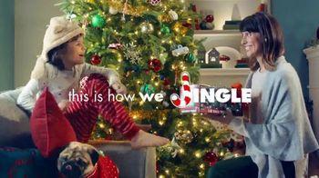 Big Lots Jingle Deals TV Spot, 'Holidays: Jingle Deals: Dearfoarms Slippers' Song by Montell Jordan - Thumbnail 9
