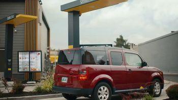 McDonald's Buy One, Get One for $1 TV Spot, 'Lo que es tuyo es mío'  [Spanish] - Thumbnail 1