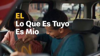 McDonald's Buy One, Get One for $1 TV Spot, 'Lo que es tuyo es mío'  [Spanish] - Thumbnail 3