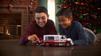 2020 Hess Toy Ambulance and Rescue TV Spot, 'Flashing Lights' - Thumbnail 5