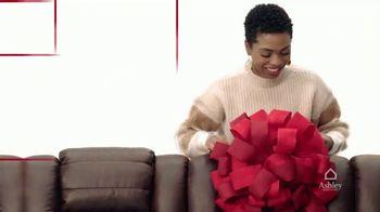 Ashley HomeStore Black Friday Doorbusters TV Spot, 'Skip the Line' - Thumbnail 2