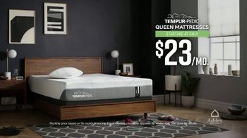 Ashley HomeStore Black Friday Mattress Sale TV Spot, 'King for Price of Twin' - Thumbnail 2