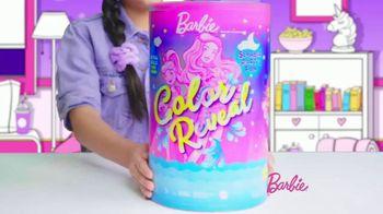 Barbie Color Reveal Slumber Party Fun TV Spot, '50 Surprises' - Thumbnail 2