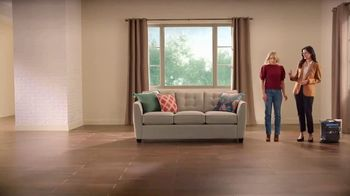 La-Z-Boy Veterans Day Sale TV Spot, 'Magic' Featuring Kristen Bell - Thumbnail 4