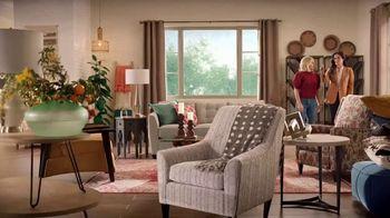 La-Z-Boy Veterans Day Sale TV Spot, 'Magic' Featuring Kristen Bell - Thumbnail 8