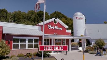 Bob Evans Restaurants Hand-Carved Turkey TV Spot, 'Nothing Says Supper: Family Meal' - Thumbnail 9