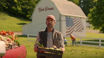 Bob Evans Restaurants Hand-Carved Turkey TV Spot, 'Nothing Says Supper: Family Meal' - Thumbnail 2