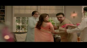 Bikaji TV Spot, 'Aslee Diwali Sirf Bikaji Wali' Featuring Amitabh Bachchan - Thumbnail 6
