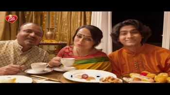 Brooke Bond Red Label Loose Leaf Black Tea TV Spot, 'Happy Diwali' - Thumbnail 10