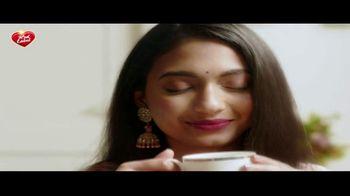 Brooke Bond Red Label Loose Leaf Black Tea TV Spot, 'Happy Diwali' - Thumbnail 9