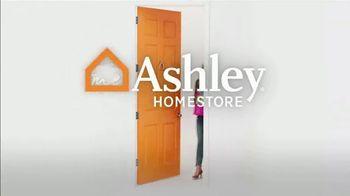 Ashley HomeStore Black Friday Mattress Sale TV Spot, 'Ashley-Sleep and Sealy Essentials' - Thumbnail 8