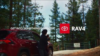 2021 Toyota RAV4 TV Spot, 'Side Road' Song by So Many Wizards [T2] - Thumbnail 8