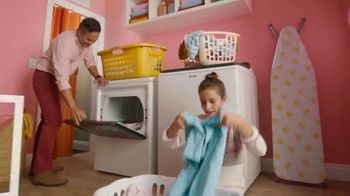 Lowe's TV Spot, Home for the Holidays: Give Back to Home' - Thumbnail 6