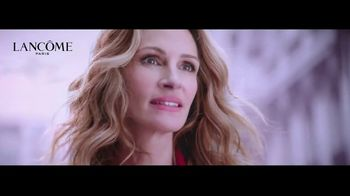 Lancôme La Vie est Belle TV Spot, 'Every Moment Is a Gift' Ft. Julia Roberts, Song by Hannah Grace