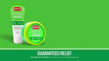 O'Keeffe's Lip Repair TV Spot, 'Ski Resort' - Thumbnail 7