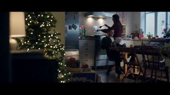 Chewy.com TV Spot, 'Holiday Traditions: All the Moments' - Thumbnail 5