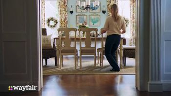 Wayfair TV Spot, 'Bring the Holidays Home' - Thumbnail 6