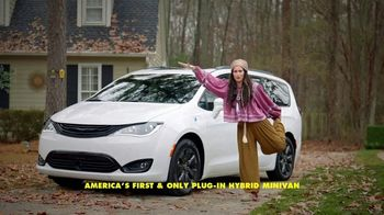 Chrysler Pacifica Family Pricing TV Spot, 'For Every Parent' Featuring Kathryn Hahn [T1] - Thumbnail 4