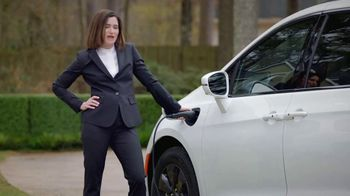 Chrysler Pacifica Family Pricing TV Spot, 'For Every Parent' Featuring Kathryn Hahn [T1] - Thumbnail 8