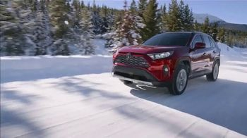 Toyota TV Spot, 'Western Washington Road Trip: Fun in the Snow' Ft. Danielle Demski, Ethan Erickson [T2] - Thumbnail 3