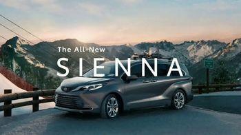 2021 Toyota Sienna TV Spot, 'Beginner Slope' [T1] - Thumbnail 9