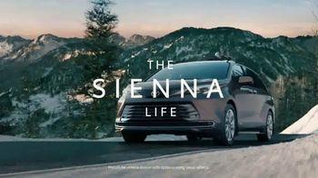 2021 Toyota Sienna TV Spot, 'Beginner Slope' [T1] - Thumbnail 1