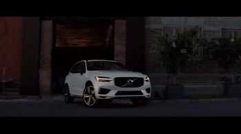 Volvo Holiday Safely Sales Event TV Spot, 'For Everyone's Safety' Song by Dan Romer [T2] - Thumbnail 1