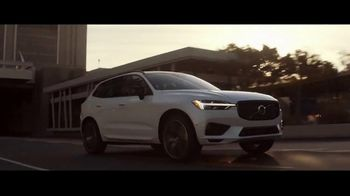 Volvo Holiday Safely Sales Event TV Spot, 'For Everyone's Safety' Song by Dan Romer [T2] - Thumbnail 3