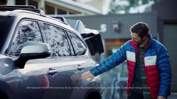 Toyota Highlander TV Spot, 'Discover New Lines' Song by The Helio Sequence [T2] - Thumbnail 7